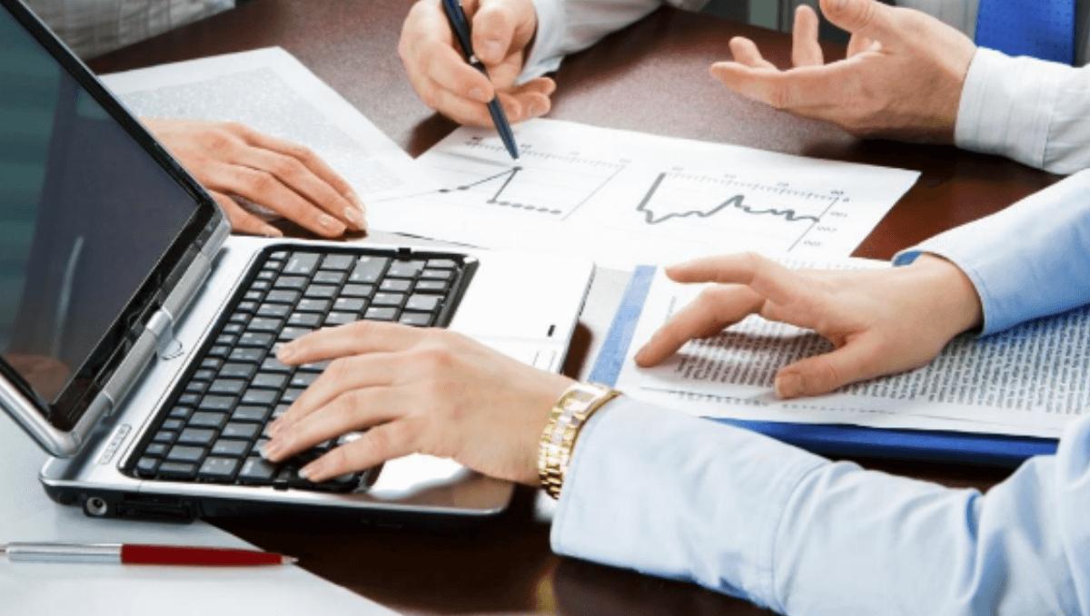 Comparativo tributário entre advogado autônomo e sociedade de advogados optantes simples